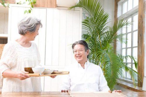 Học cách người Nhật phòng bệnh đột quỵ khi thời tiết giao mùa - Ảnh 2.
