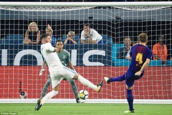 Rakitic nhân đôi cách biệt lên 2-0 cho Barcelona