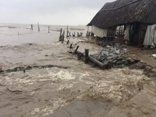 Miền Nam bớt run, bão Tembin đã suy yếu thành áp thấp nhiệt đới - Ảnh 6.