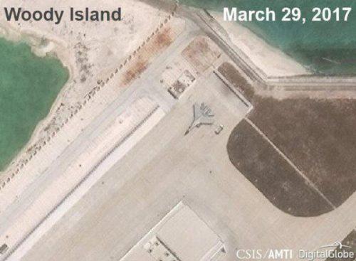 Trung Quốc xác nhận triển khai chiến đấu cơ ra đảo Phú Lâm - Ảnh 1.