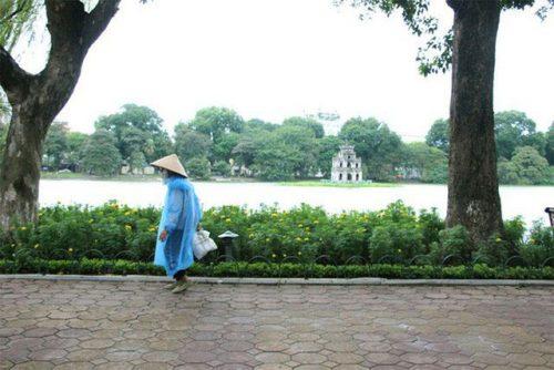 Gió mùa Đông Bắc tràn về, Hà Nội sắp mưa rét - 1