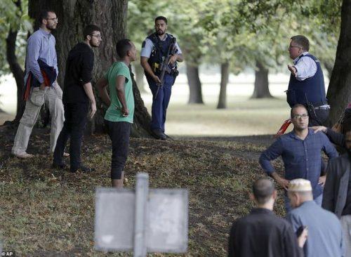 Xả súng liên tiếp ở New Zealand, nhiều người thiệt mạng - 2
