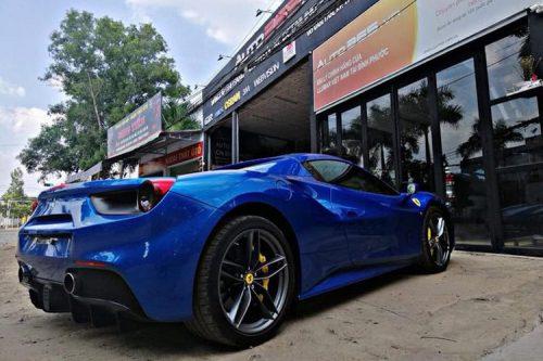 Dai gia Binh Phuoc tau sieu xe Ferrari 488 Spider tien ty-Hinh-6