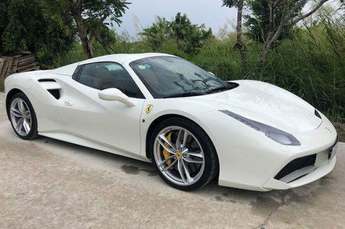 Dai gia Binh Phuoc tau sieu xe Ferrari 488 Spider tien ty-Hinh-7