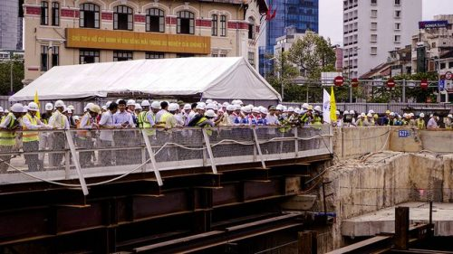 Thủ tướng Nguyễn Xuân Phúc thị sát tuyến metro số 1 của TPHCM - 8