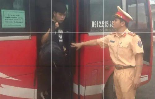 """CSGT bắt giữ xe 29 chỗ """"nhồi nhét"""" 64 khách từ Hà Nội đi Ninh Bình - 2"""