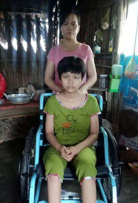 Rớt nước mắt cô gái 16 tuổi ung thư xương nghẹn ngào cầu xin đừng cắt chân con! - 7