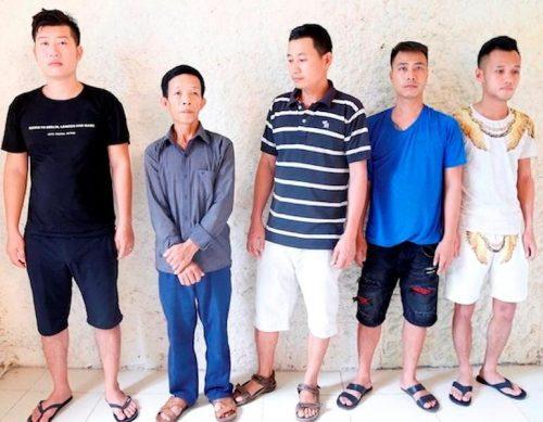 Hà Tĩnh: Đánh bạc dưới tầng hầm quán cà phê, 6 đối tượng bị bắt giữ Ảnh 1