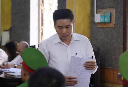 Phó giám đốc Sở GD-ĐT Sơn La khai gì việc tiêu hủy đĩa CD bài thi? - Ảnh 1.