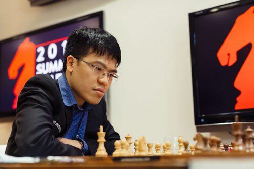 Quang Liêm gây choáng giải thế giới: Dùng Vua tấn công, đối thủ xin hàng - 1