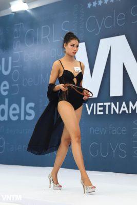 thi sinh vietnam's next top model dien ao tam ho bao khi tuyen truc tiep hinh anh 5