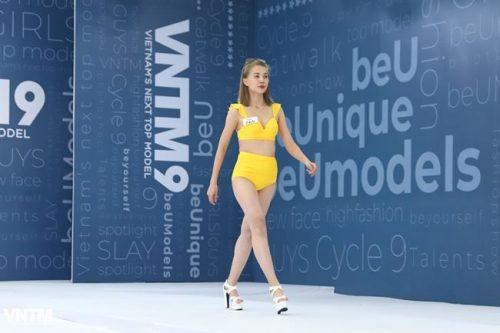 thi sinh vietnam's next top model dien ao tam ho bao khi tuyen truc tiep hinh anh 18