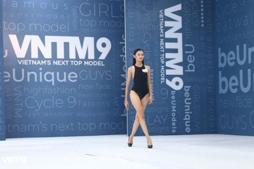 thi sinh vietnam's next top model dien ao tam ho bao khi tuyen truc tiep hinh anh 14