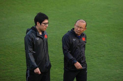 Cận cảnh đội tuyển Việt Nam tập luyện trước tái đấu Thái Lan - Ảnh 3.