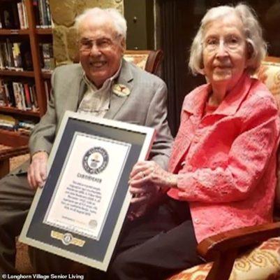Cặp vợ chồng sống thọ nhất thế giới kỷ niệm 80 năm kết hôn - 2