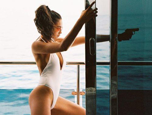 Sắc vóc nóng bỏng của người mẫu cao 1m80 Kelly Gale Ảnh 2