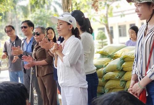 Trao quà cho người khiếm thị tại hai huyện Chơn Thành và Bù Đăng tỉnh Bình Phước - Ảnh 1.