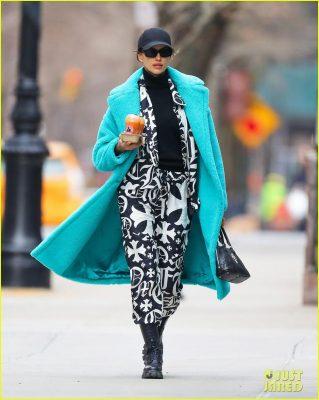 Irina Shayk đẹp hút mắt khi ra phố trong tiết trời giá lạnh Ảnh 5
