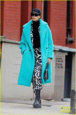 Irina Shayk đẹp hút mắt khi ra phố trong tiết trời giá lạnh Ảnh 1