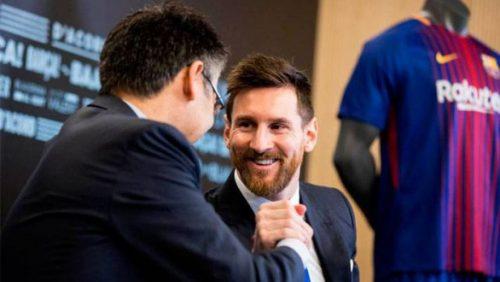 Messi cùng đồng đội chịu giảm lương để giúp Barca vượt qua dịch COVID-19 - Ảnh 1.