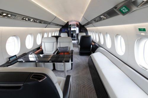 Chi tiền thuê máy bay riêng, giới siêu giàu vẫn kẹt tại tâm dịch
