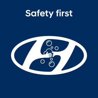 """Mercedes và Hyundai cũng biến tấu logo đu trend """"cách ly xã hội"""""""
