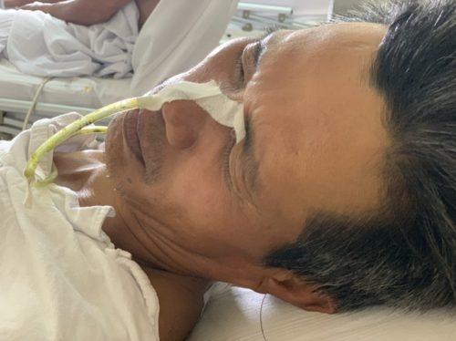 Xót xa cảnh người vợ khóc cạn nước mắt vì chồng, con ung thư - 2
