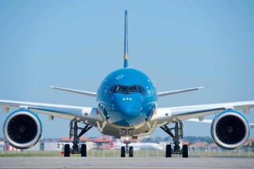 Các chuyến bay Hà Nội - TP.HCM không được chở quá 180 hành khách