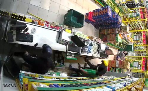 Công an TP.HCM bắt gọn nhóm cướp cửa hàng Bách Hóa Xanh - ảnh 4
