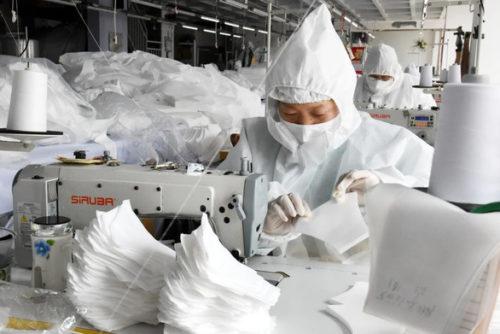Bị mắng bán đồ dỏm, Trung Quốc siết xuất khẩu thiết bị y tế - Ảnh 1.