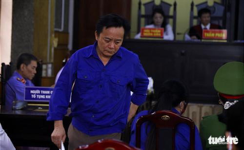 Cựu thượng tá công an Sơn La uất ức vì bị cáo buộc đưa hối lộ 1 tỉ đồng - Ảnh 1.