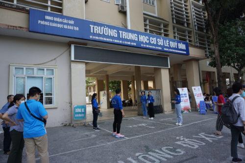 Gần 90.000 thí sinh tại Hà Nội bắt đầu thi vào lớp 10, lo đề Ngữ văn sẽ rơi vào Covid-19 - Ảnh 1.