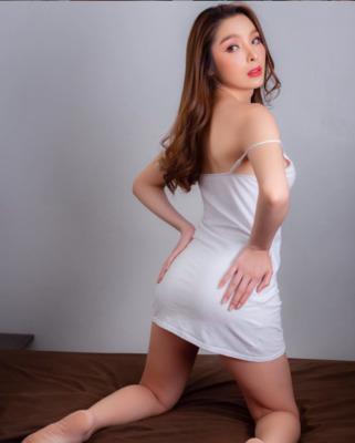 Vẻ đẹp tân Hoa hậu chuyển giới Thái Lan 2020 mặc bikini quyến rũ không kém Hương Giang - Ảnh 8.