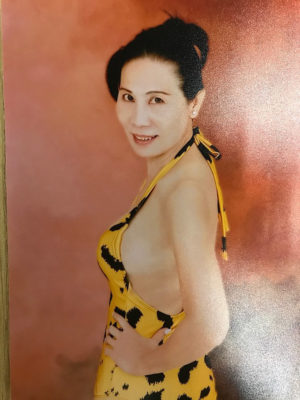 """Vẻ quyến rũ gây """"sốt"""" mạng của thí sinh U60, thí sinh chưa tròn 18 tuổi thi Hoa hậu Việt Nam 2020 - Ảnh 4."""