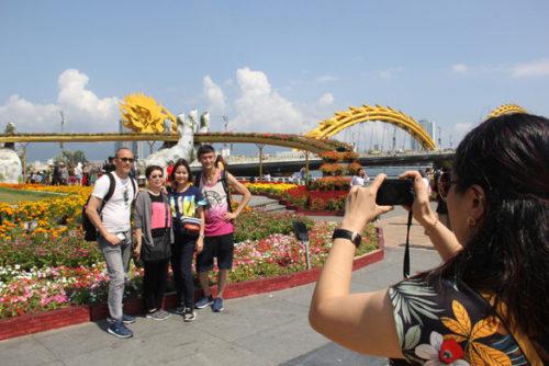 Từ ngày mai 25-9, mọi hoạt động ở Đà Nẵng, Huế trở lại bình thường - Ảnh 1.