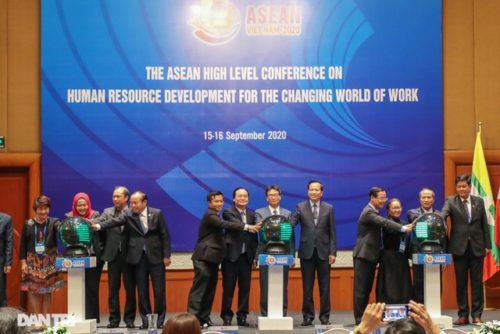 Bộ trưởng Đào Ngọc Dung: Asean xác định con người là trung tâm phát triển - 4