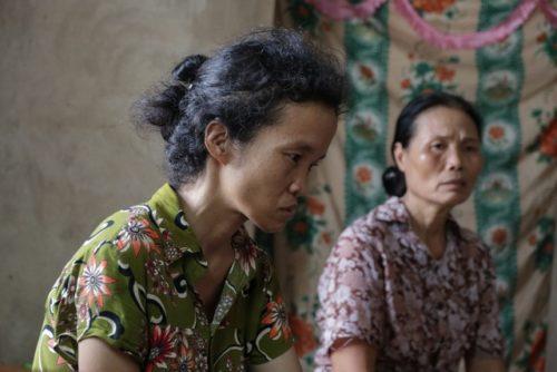 Đau lòng cảnh người phụ nữ nghèo ngồi ôm bệnh chờ... chết bên song cửa - 4