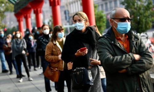 """Bỉ đối mặt """"sóng thần"""" lây nhiễm, Moscow tiêm vắc-xin Covid-19 cho dân"""