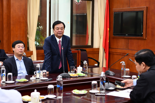 Ông Lê Minh Hoan nhận nhiệm vụ làm Thứ trưởng Bộ NNPTNT  - Ảnh 2.