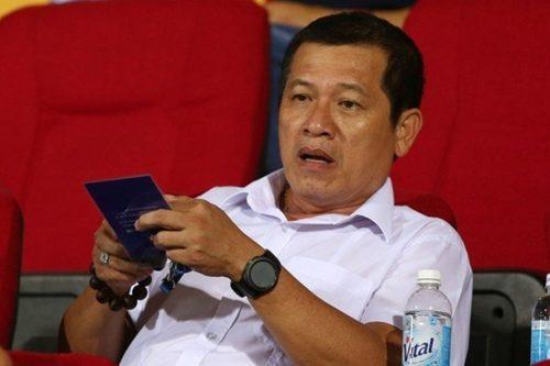 Trưởng ban trọng tài Dương Văn Hiền, ông càng nói càng... dở