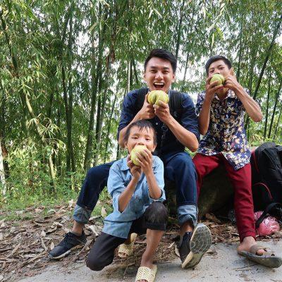 9X miền Tây trở thành vlogger của người nghèo, quyên tiền tỷ cho miền Trung