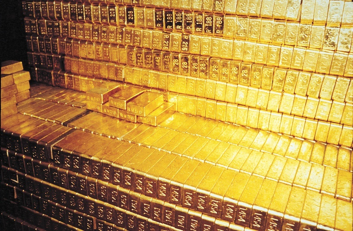 Đằng sau cú trượt dốc của giá vàng