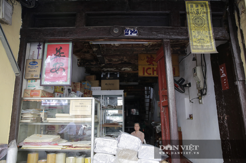 """Căn nhà hình """"hộp diêm"""" hơn 130 năm tuổi độc nhất phố cổ Hà Nội - Ảnh 2."""
