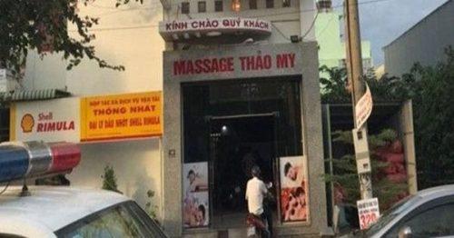 Phát hiện 4 nữ nhân viên massage đang bán dâm cho khách - Ảnh 1.