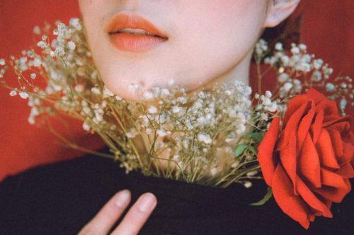 Cận cảnh hình xăm bí ẩn của hoa khôi bóng chuyền Đặng Thu Huyền - Ảnh 3.