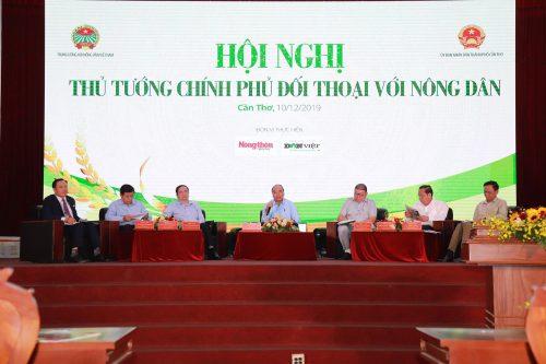 Dấu ấn Thủ tướng Nguyễn Xuân Phúc và 3 lần trực tiếp đối thoại với nông dân - Ảnh 2.