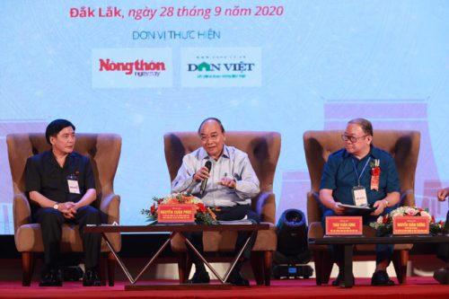 Dấu ấn Thủ tướng Nguyễn Xuân Phúc và 3 lần trực tiếp đối thoại với nông dân - Ảnh 3.