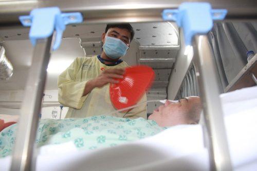 Bệnh viện đầu tiên của Việt Nam đạt chuẩn kim cương về điều trị đột quỵ - Ảnh 2.