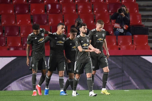 MU thắng 2-0 trên sân khách, Solskjaer tuyên bố bất ngờ