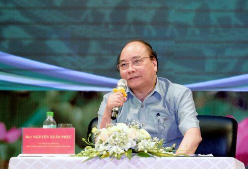 Dấu ấn Thủ tướng Nguyễn Xuân Phúc và 3 lần trực tiếp đối thoại với nông dân - Ảnh 1.